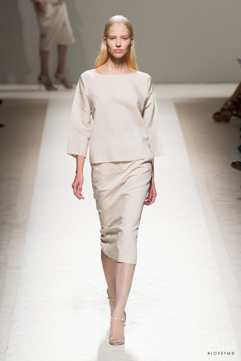 Sasha Luss featured in  the Max Mara fashion show for Spring/Summer 2014