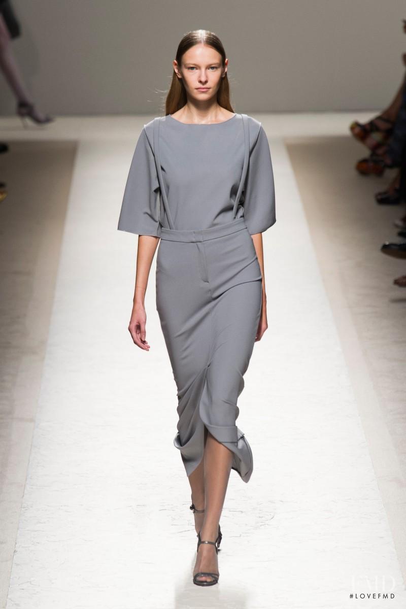 Masha Zaytseva featured in  the Max Mara fashion show for Spring/Summer 2014