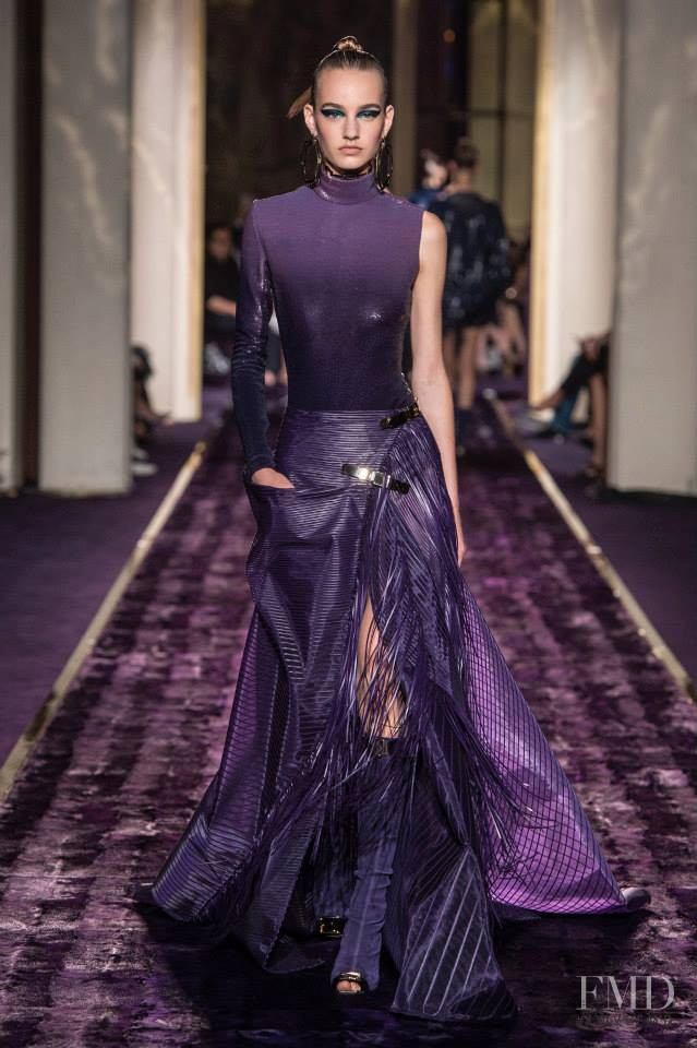 Maartje Verhoef featured in  the Atelier Versace fashion show for Autumn/Winter 2014