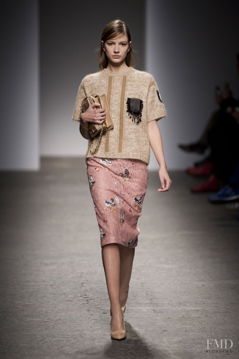 Roberta Cardenio featured in  the N° 21 fashion show for Autumn/Winter 2013