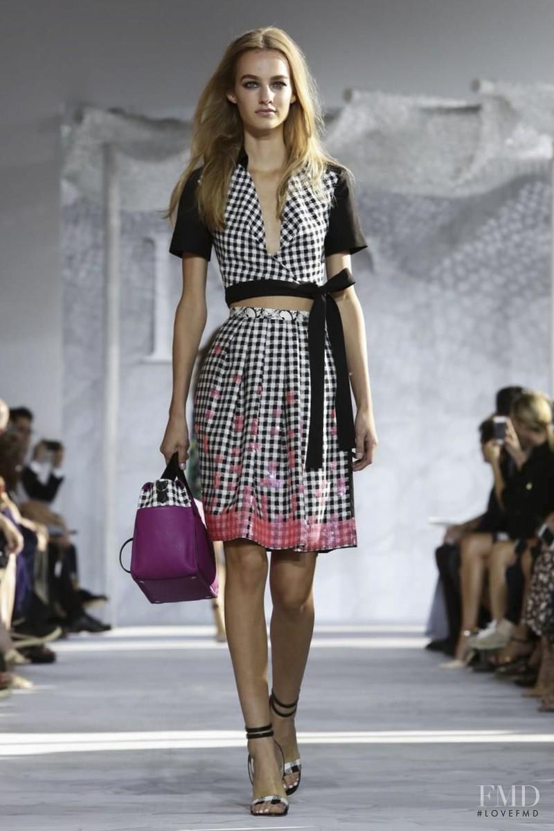 Maartje Verhoef featured in  the Diane Von F�rstenberg fashion show for Spring/Summer 2015