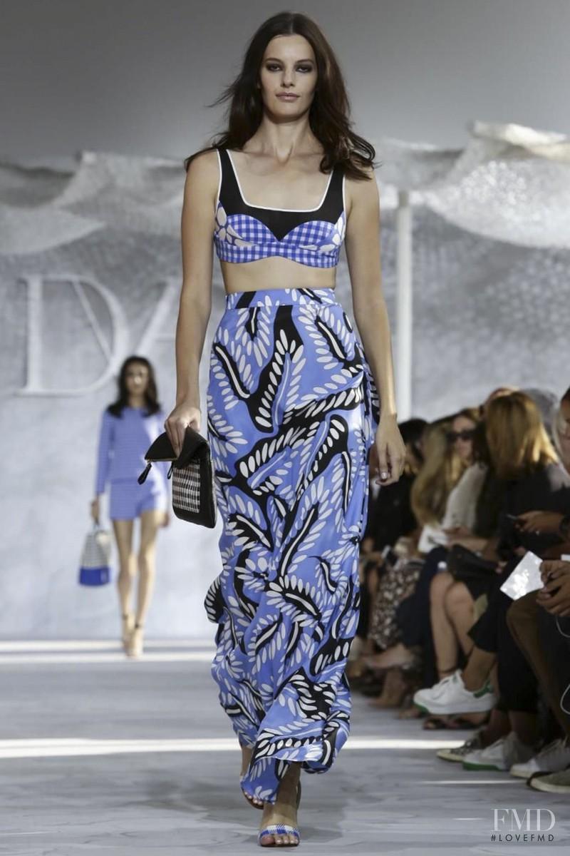 Amanda Murphy featured in  the Diane Von F�rstenberg fashion show for Spring/Summer 2015