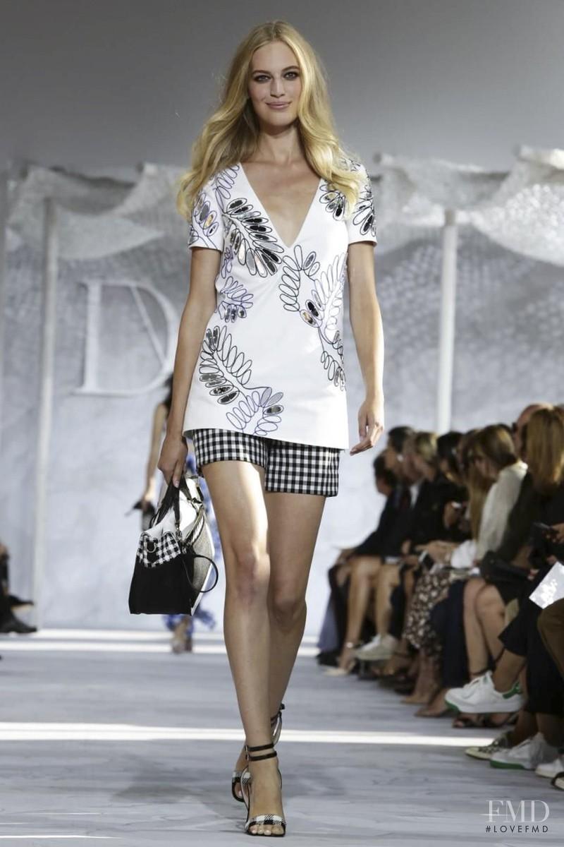 Vanessa Axente featured in  the Diane Von F�rstenberg fashion show for Spring/Summer 2015