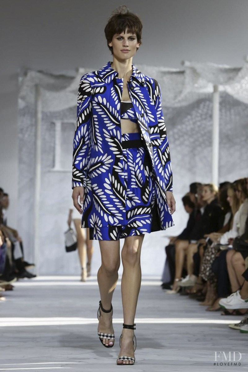 Saskia de Brauw featured in  the Diane Von F�rstenberg fashion show for Spring/Summer 2015