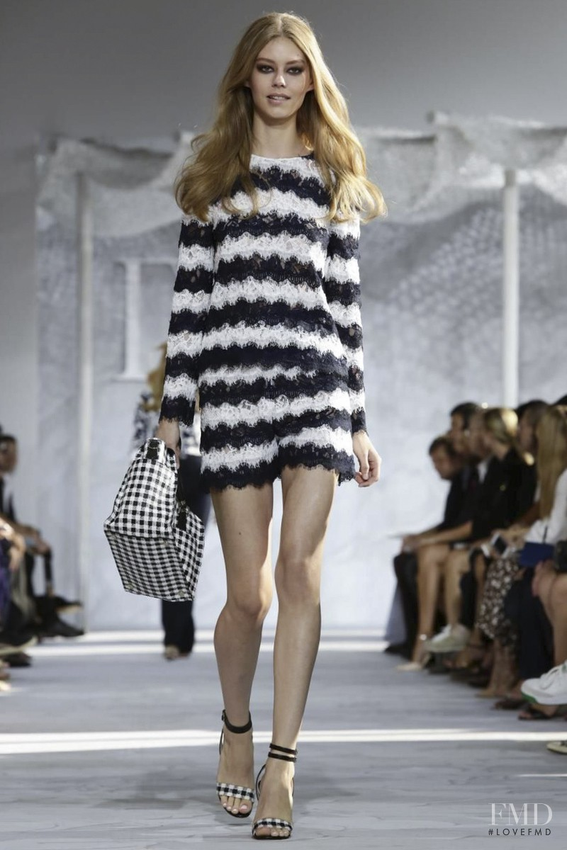 Ondria Hardin featured in  the Diane Von F�rstenberg fashion show for Spring/Summer 2015