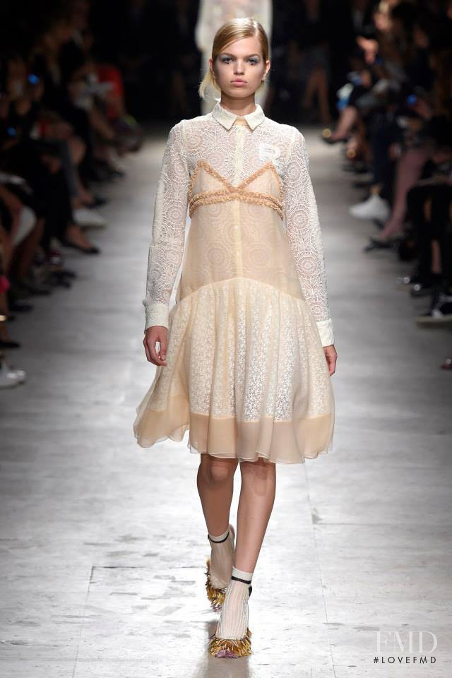 Daphne Groeneveld featured in  the Rochas fashion show for Spring/Summer 2015