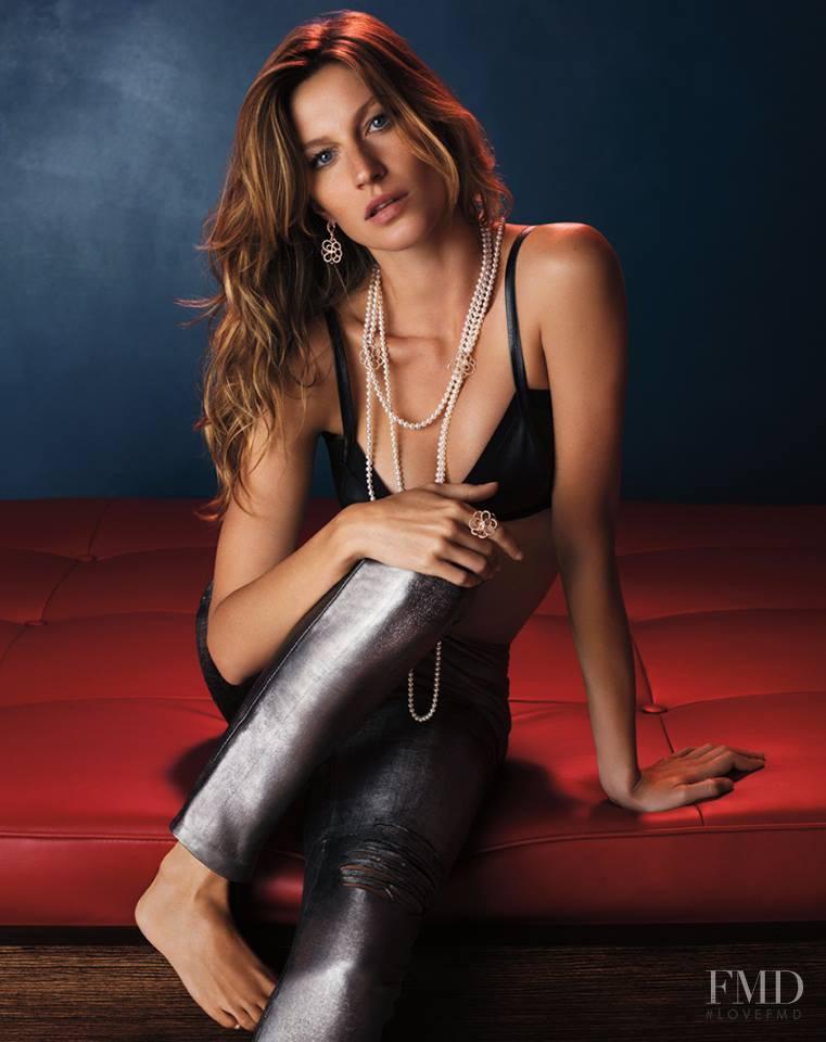 Gisele Bundchen featured in  the Vivara advertisement for Autumn/Winter 2013